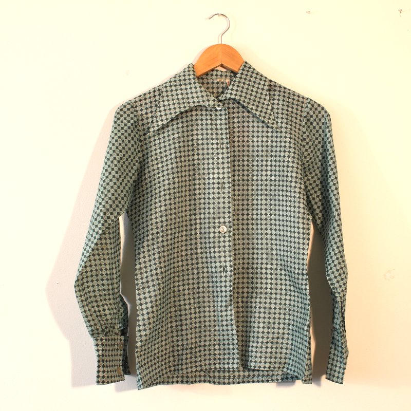 green 70s blouse - size L