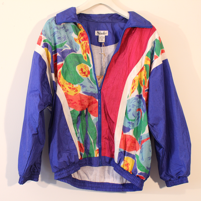 D7. 80's sport jacket with floral print - size M