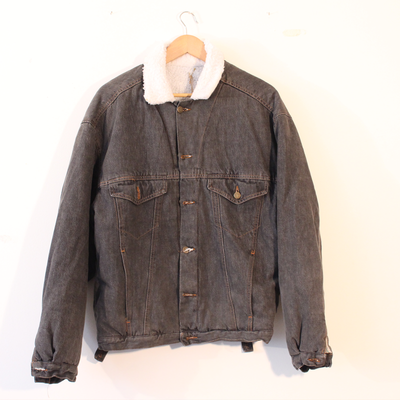 G6. thick denim jacket - Size S/M
