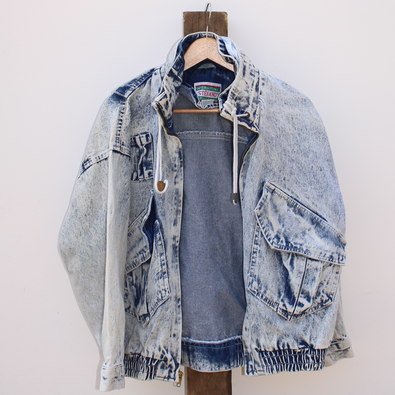 F8. Denim jacket - size L