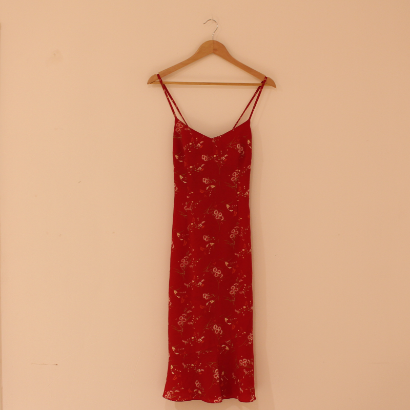 A19. red floral print dress - size M