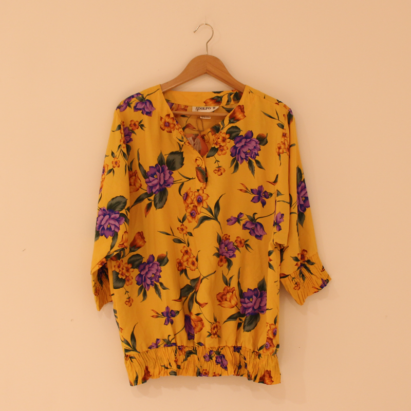 C17. colourful yellow blouse - size S