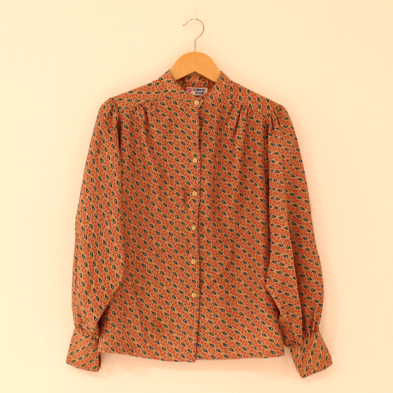 C18. collarless blouse - size S