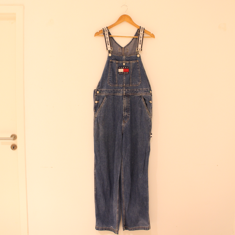 E2. Tommy Hilfiger Dungaree - size L