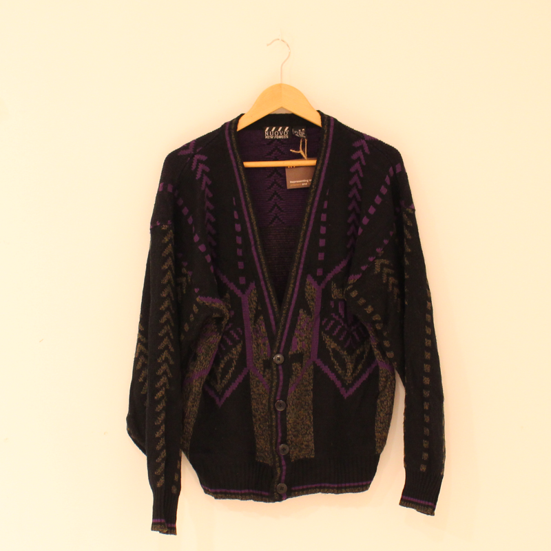 F11. Knitted vest - size M