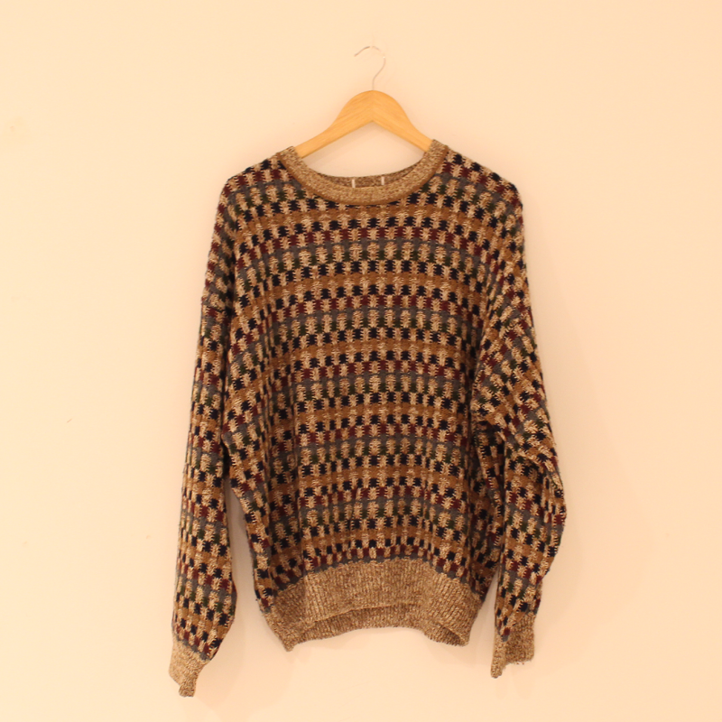 F18. Autumn feel jumper - size L