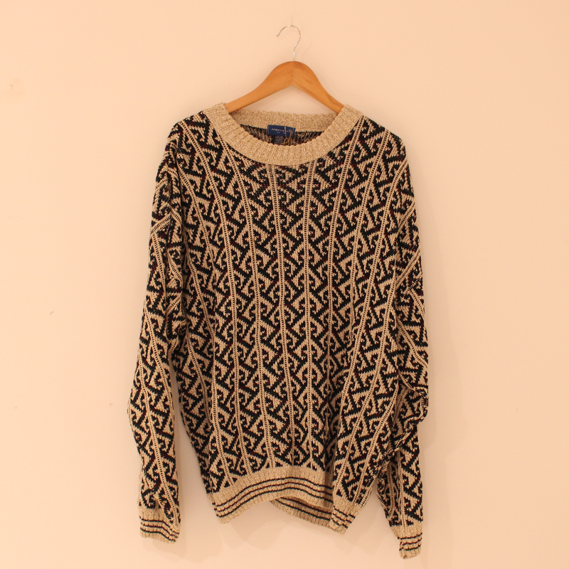F20. knitted jumper - size XL