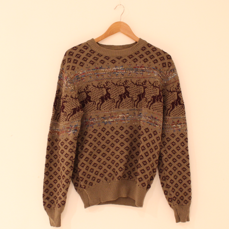 F32. Deer pattern knitted jumper - size M