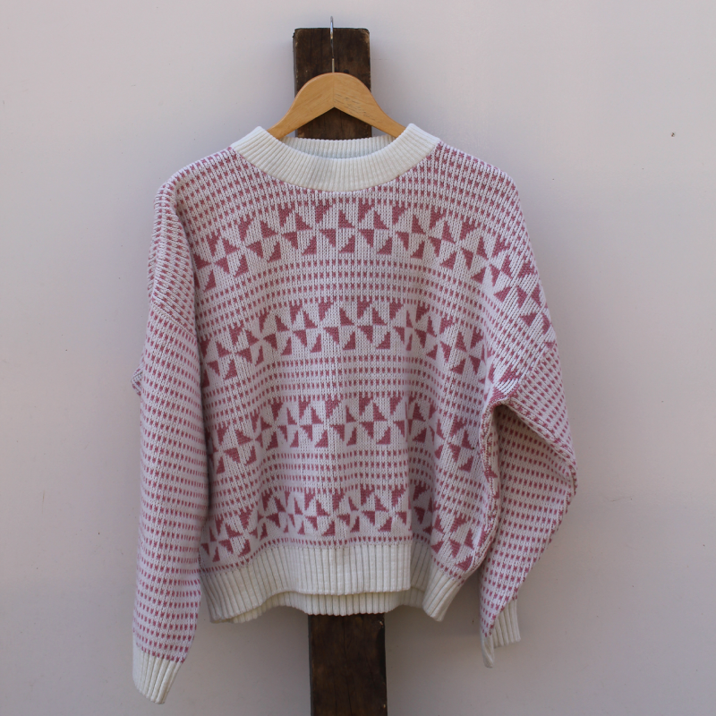 knitted jumper - size M/L