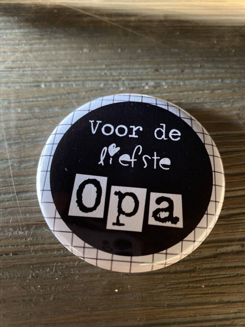 Button opener opa