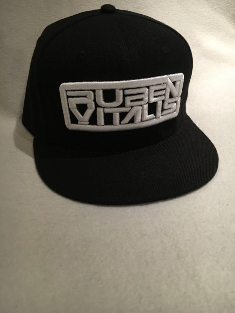 SNAP BACK BLACK