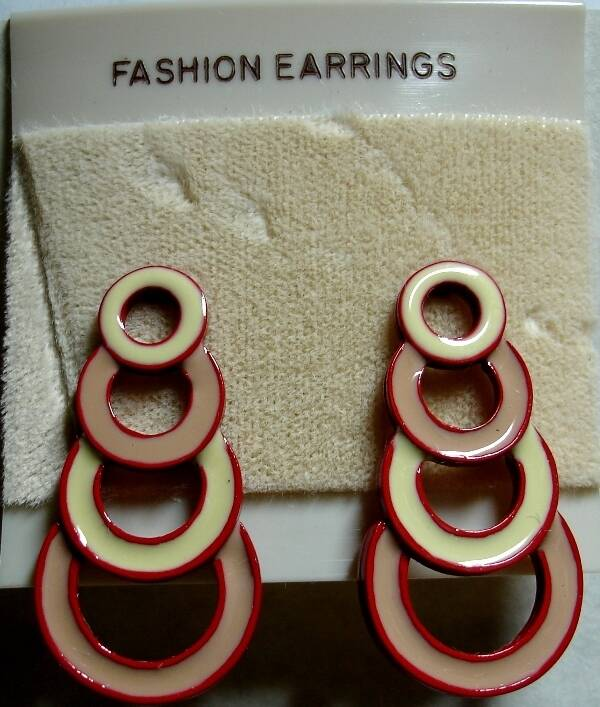 Vintage Pierced Dangle Earring With Decending Cranberry Red And Cream Circles