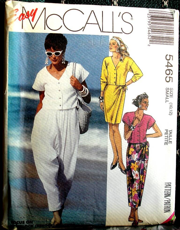 McCall's 5465 Misses Top Skirt in Two Lengths And Pants Size Small (10-12)