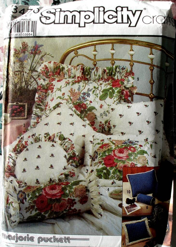 Simplicity 8470 Craft Pattern For Pillows By Marjorie Puckett