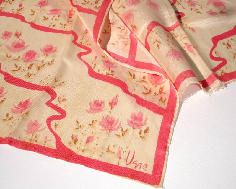 Vera Neumann Roses In Rosey Pink With Trellis 1960s Scarf