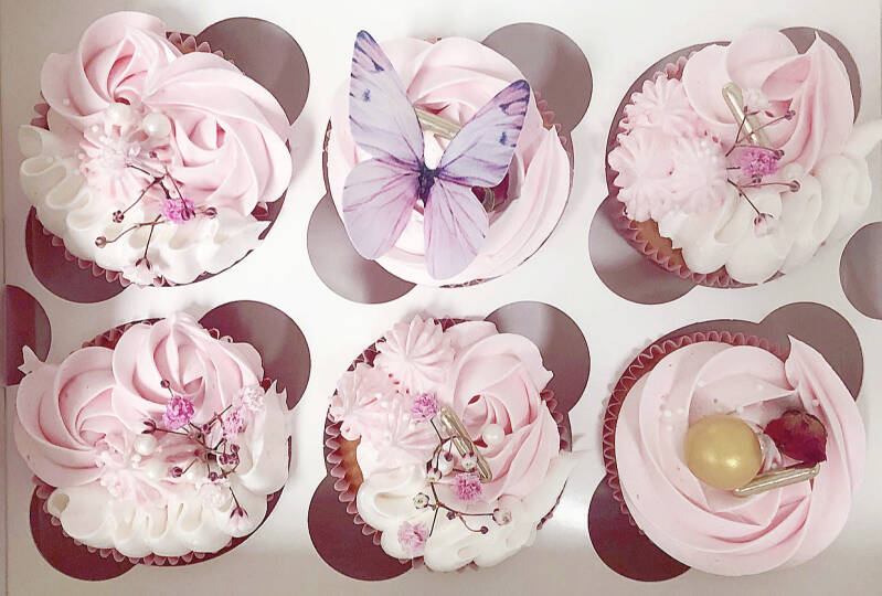 CUPCAKE BOX   PINK BUTTERFLY