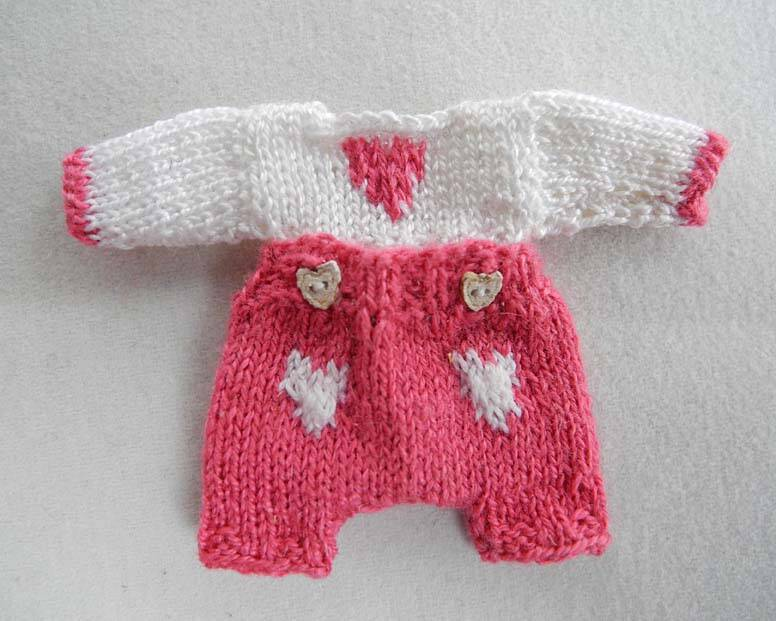 Baby knooppakje, roze - Baby cardigan with buttons, pink