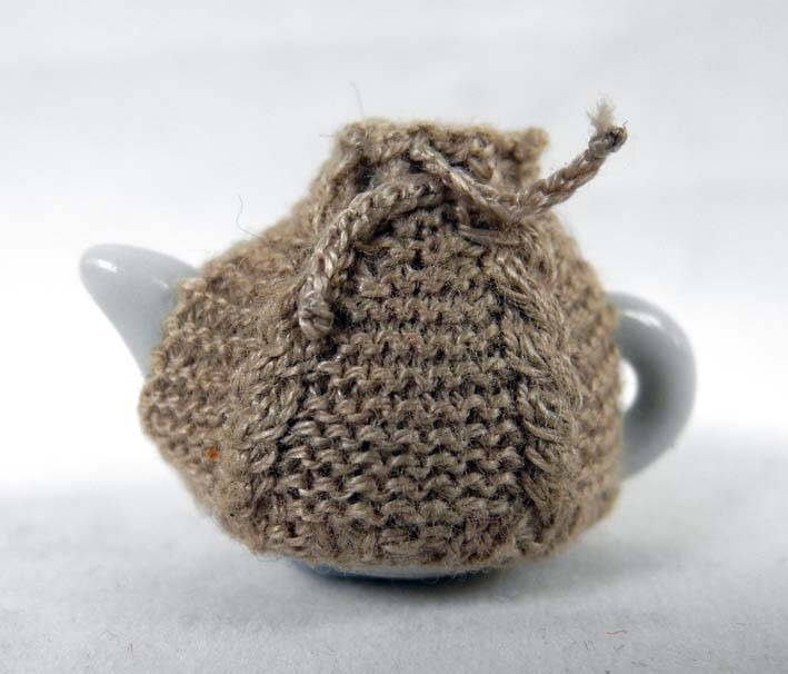 Theemuts met kabels - Tea cosy with cables