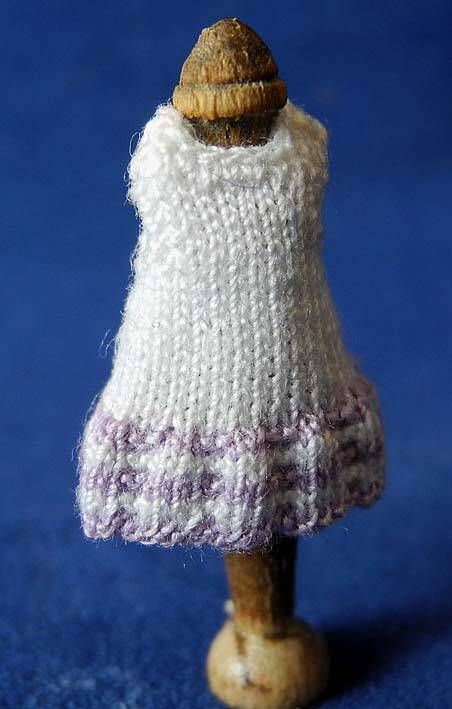 Witte jurk met lila strepen - White dress with lilac stripes 1-48