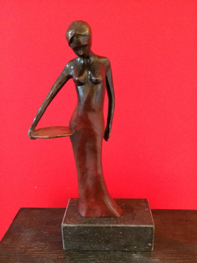 Sculpture Lady in Red