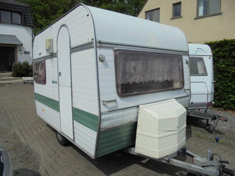 Chateau Touring 320,3/78, 3 bedden,<750 kg,voortent