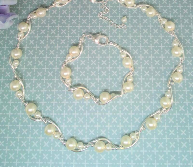 Bridal jewellery set with pearls BST06
