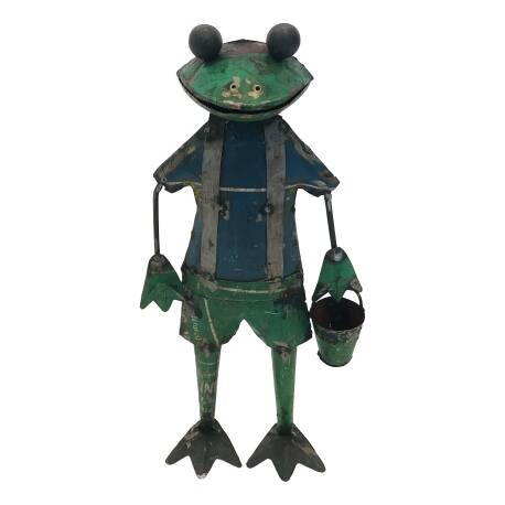 Frog with bucket M