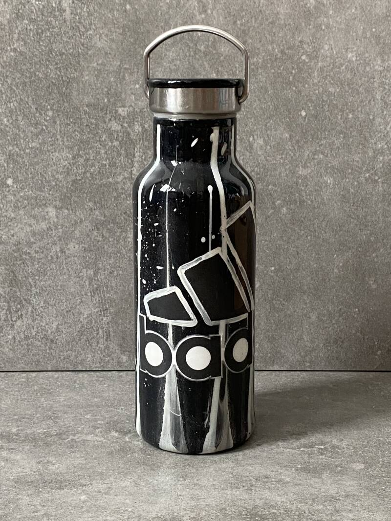 YOURS 'badass' thermos drinkfles (adidas redesign)