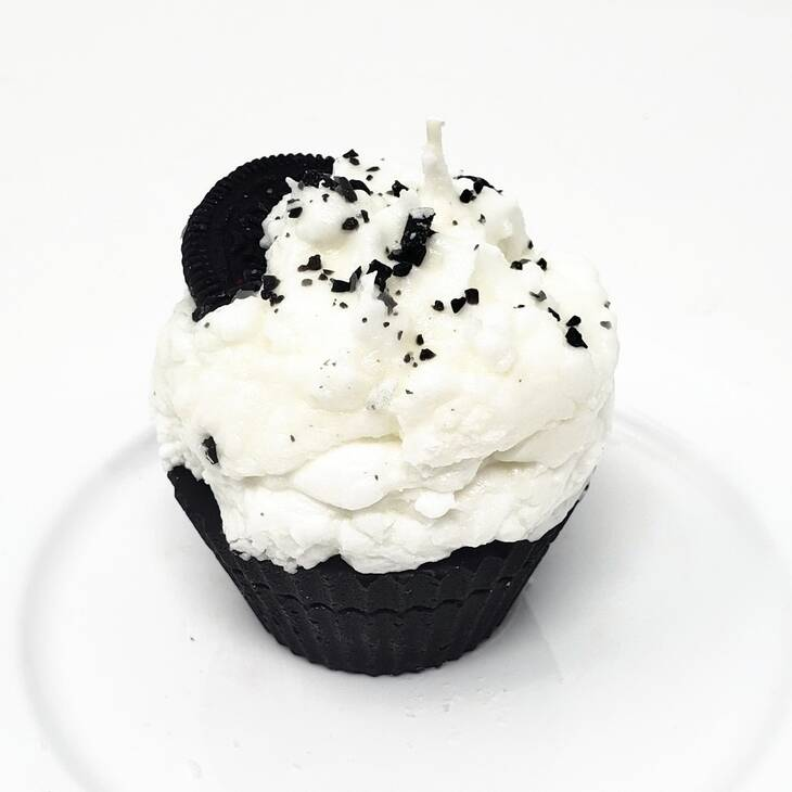 Cupcake Candle Cookies and Creme