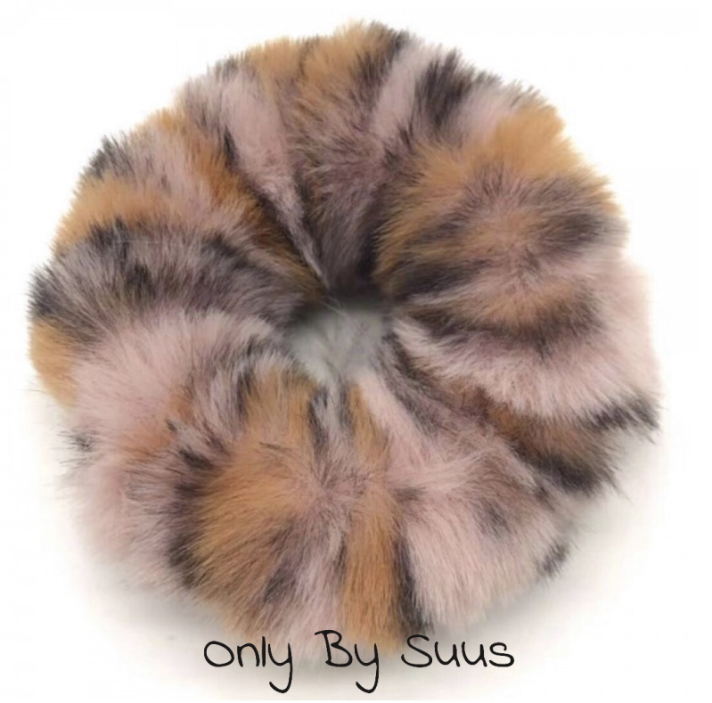 Fluffy Scrunchie 'Pink Leopard'