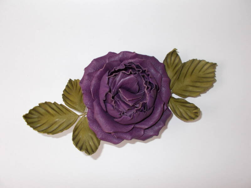 LM0003 Roos corsage