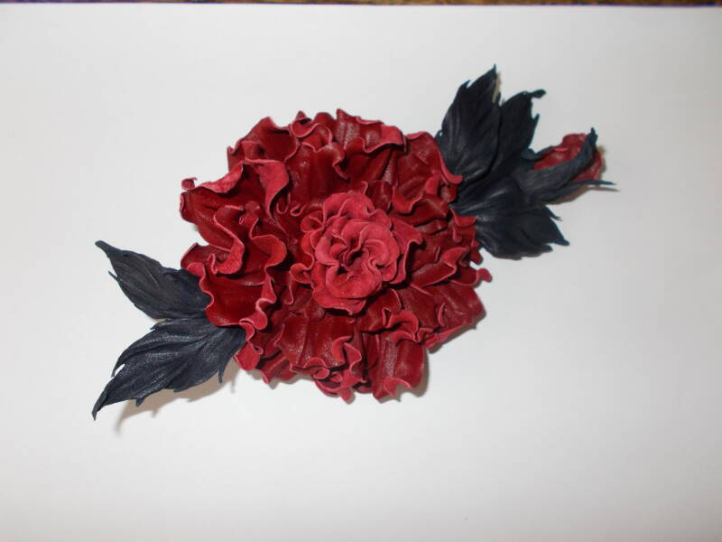 LM0004 Roos corsage
