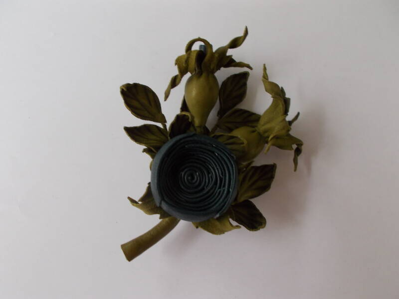 LM0008 Roos corsage