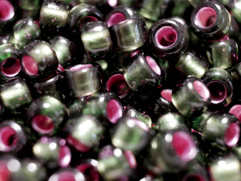 8/0 TOHO Dyed Silver-Lined Pink Frosted Olivine
