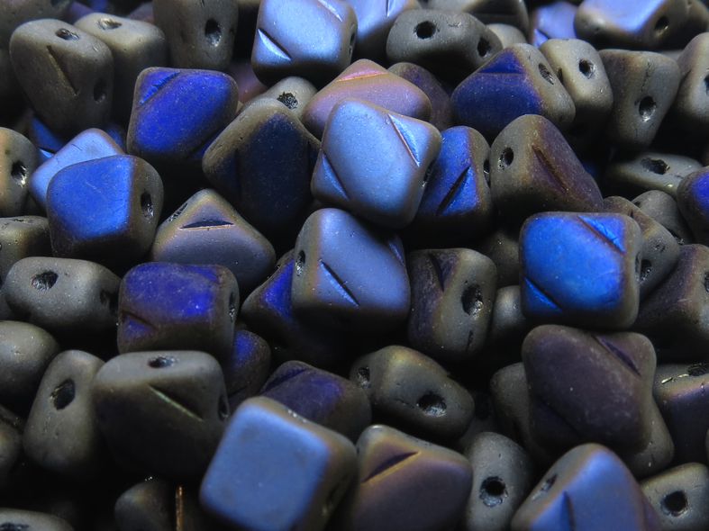 Silky beads Jet Azuro Full Matted
