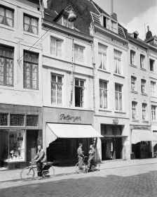 RCE-Delemarre-collGebouwd-051877MtrBrugstraat-1957.jpg
