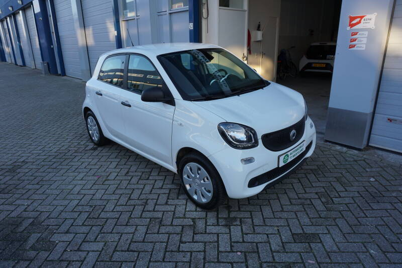 Smart Forfour 1.0 52KW 2017 Wit Clima/Cruise/NAP/Bluetooth