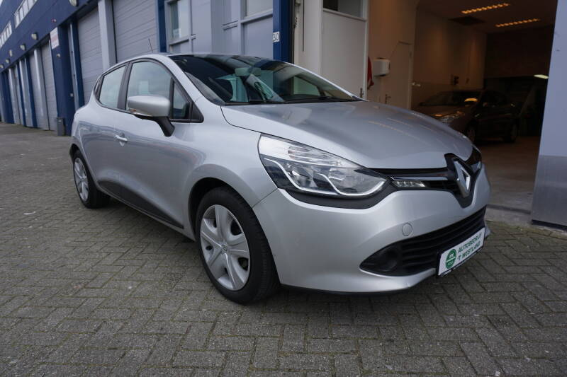 Renault Clio 0.9 TCE Expression 66KW 5DRS 2014 PDC/CRUISE/AC