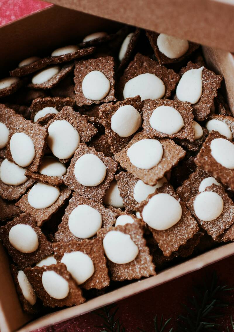 Lielezers rye gingerbread with white chocolate