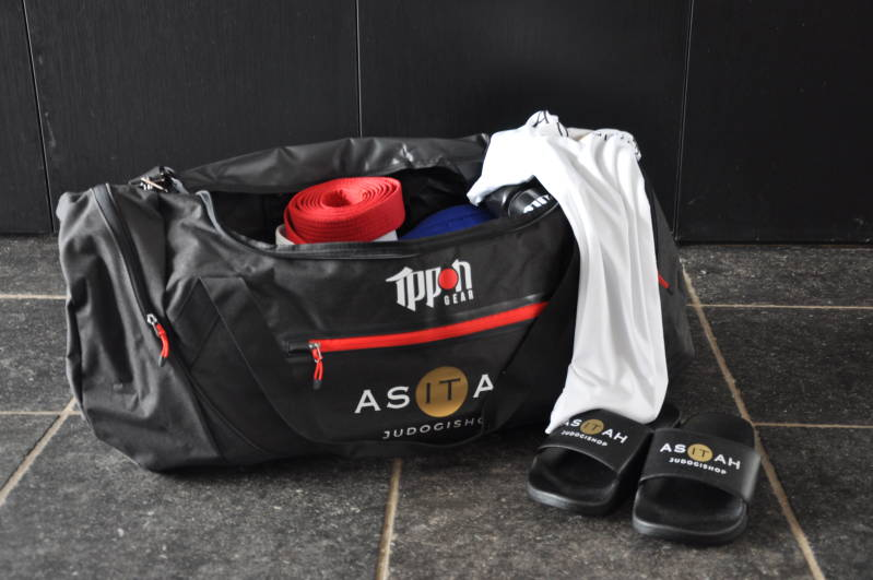 Ippon Gear Sports bag Fighter with Asitah logo
