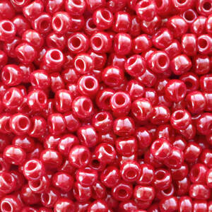 426 Opaque luster red 8/0