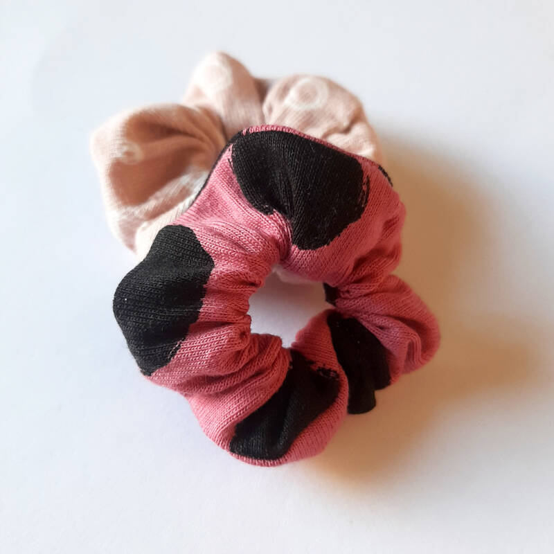 Funcky Life Scrunchie - Old Rose Dots