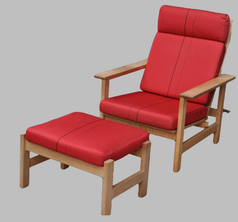 2461 lounge chair and ottoman by Soren Holst for Fredericia