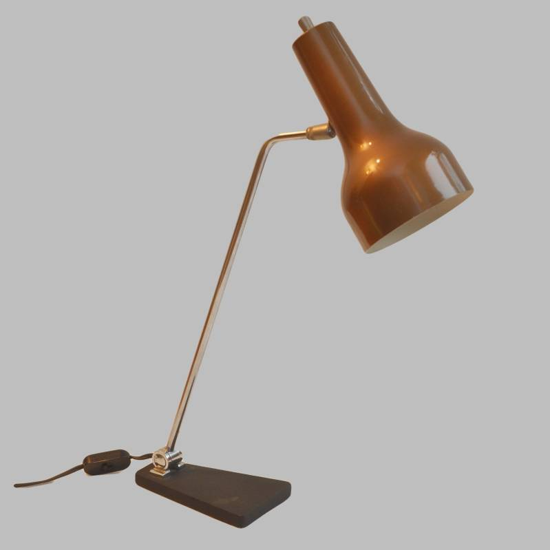 Anvia brown metallic table lamp