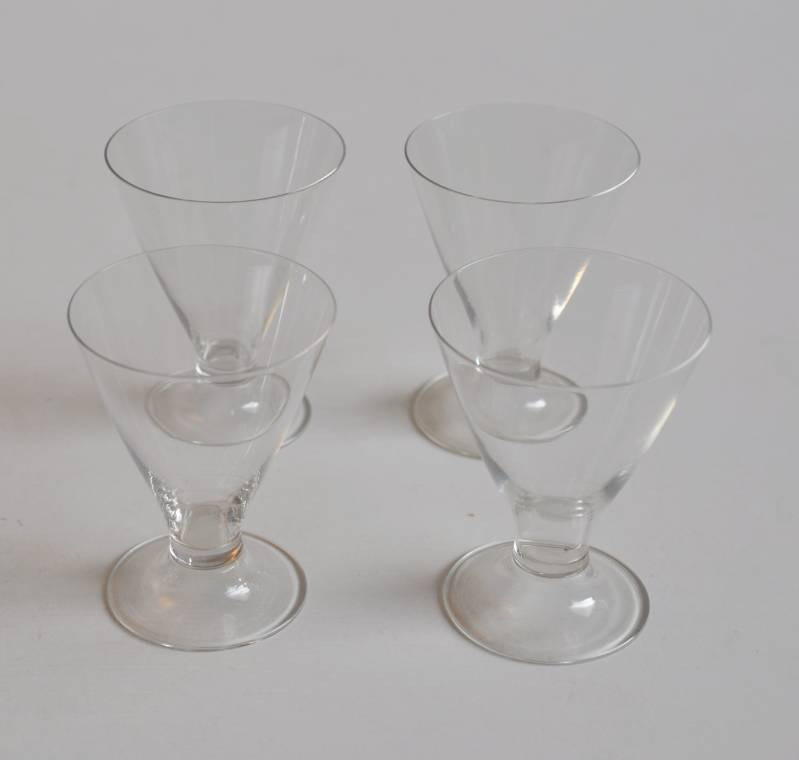 "Crystal glass ""Cyrano"" by Gerard Müller, executed Josephinenhütte Schreiberhau, two sets available"