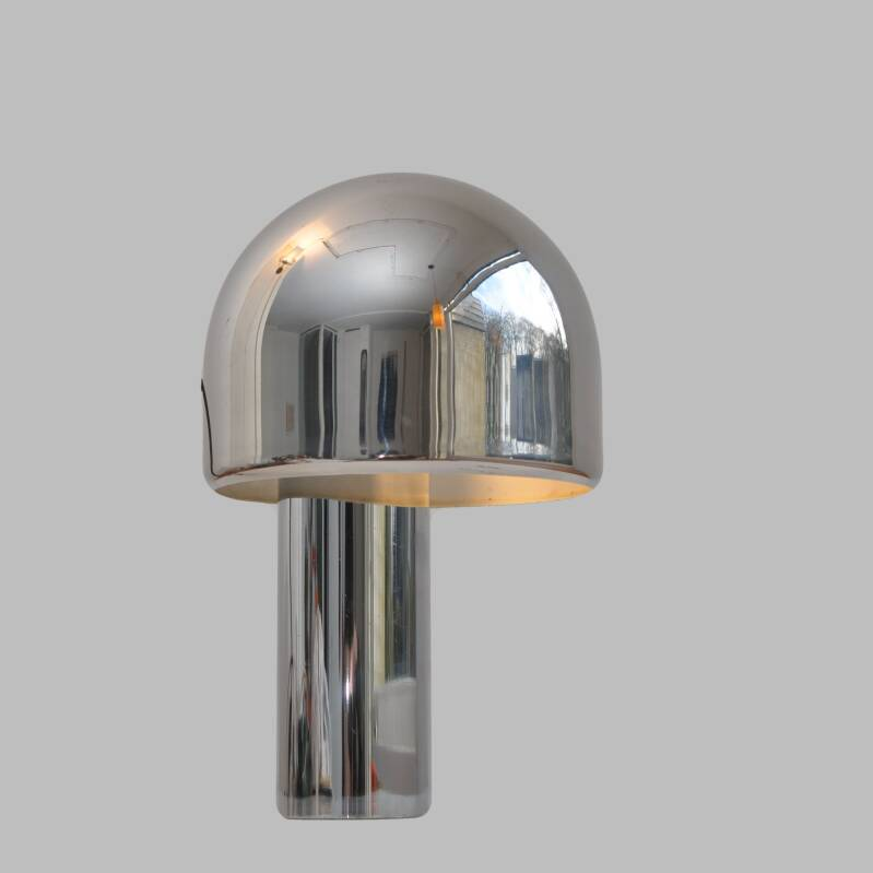 magnetic table light by Goffredo Reggiani