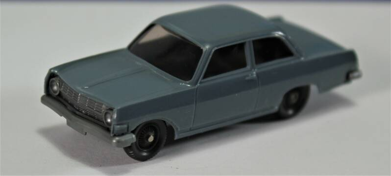 Wiking H0 1/87  88/2 Opel Record 1963