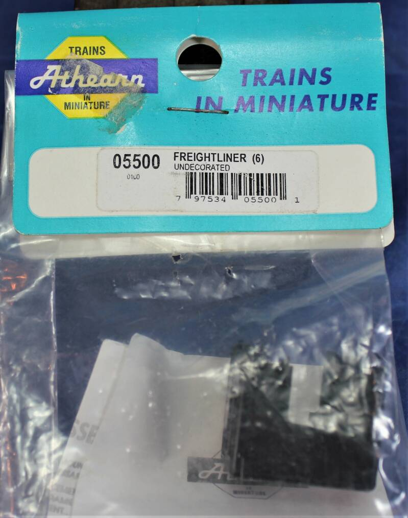 Athearn 1/87 H0 bouwpakket 05500 Freightliner undecorated.