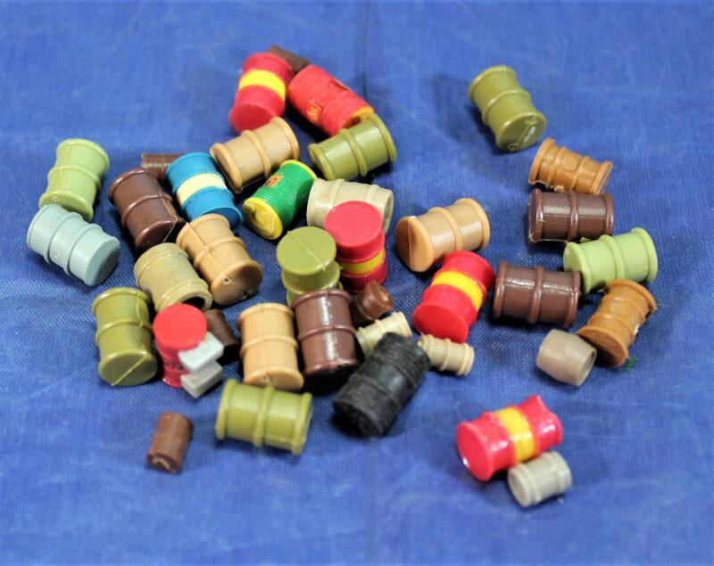 Scenery 1/87 H0 Assortiment oliedrums.