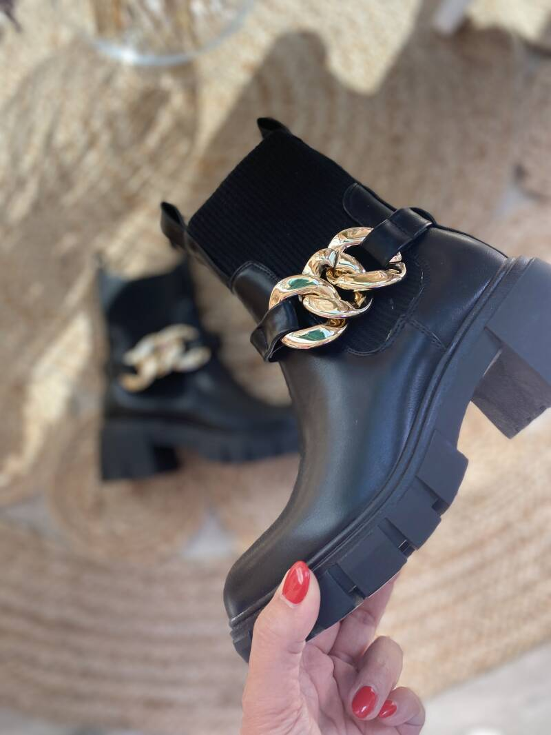 Ankle boots belt